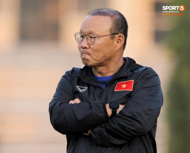 HLV Park Hang-seo sẽ là HLV hưởng lương cao nhất trong lịch sử bóng đá Việt Nam với bản hợp đồng mới. Ảnh: Hiếu Lương.
