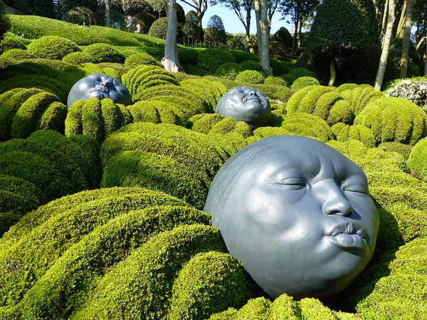 Chớ dại mà đến khu vườn kỳ dị này ở Pháp vào buổi đêm kẻo bị dọa cho hồn bay phách lạc - Ảnh 4.