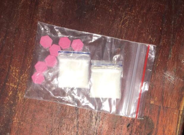 Kiều nữ 20 tuổi cầm điện thoại lấy tiền để chiều chuộng người tình mua ma túy - Ảnh 2.