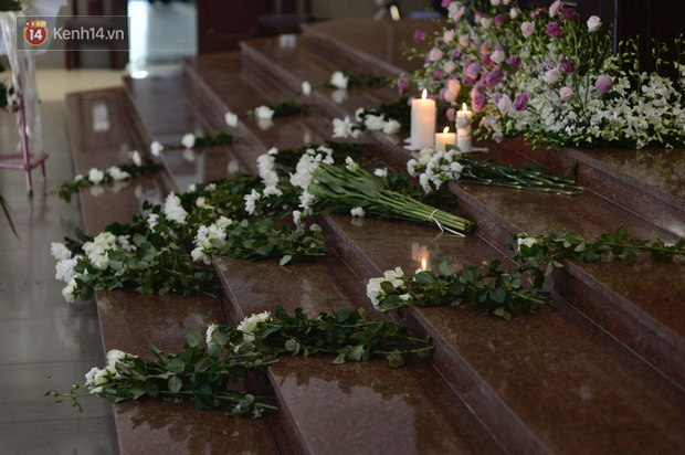 Tang lễ con gái đạo diễn Đỗ Đức Thành: Cầm nhành hoa trắng trên tay, tạm biệt nhé thiên thần 20 tuổi! - Ảnh 7.