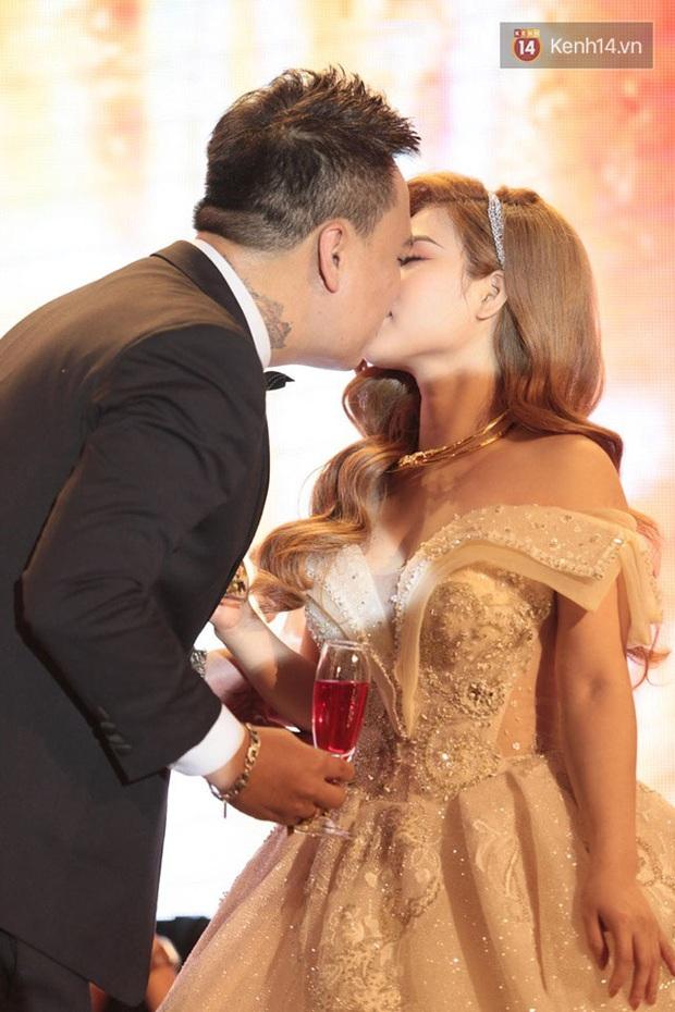 Justatee, Emily cùng dàn sao Việt bất ngờ hội ngộ trong đám cưới của nam rapper đình đám LiL Knight - Ảnh 4.
