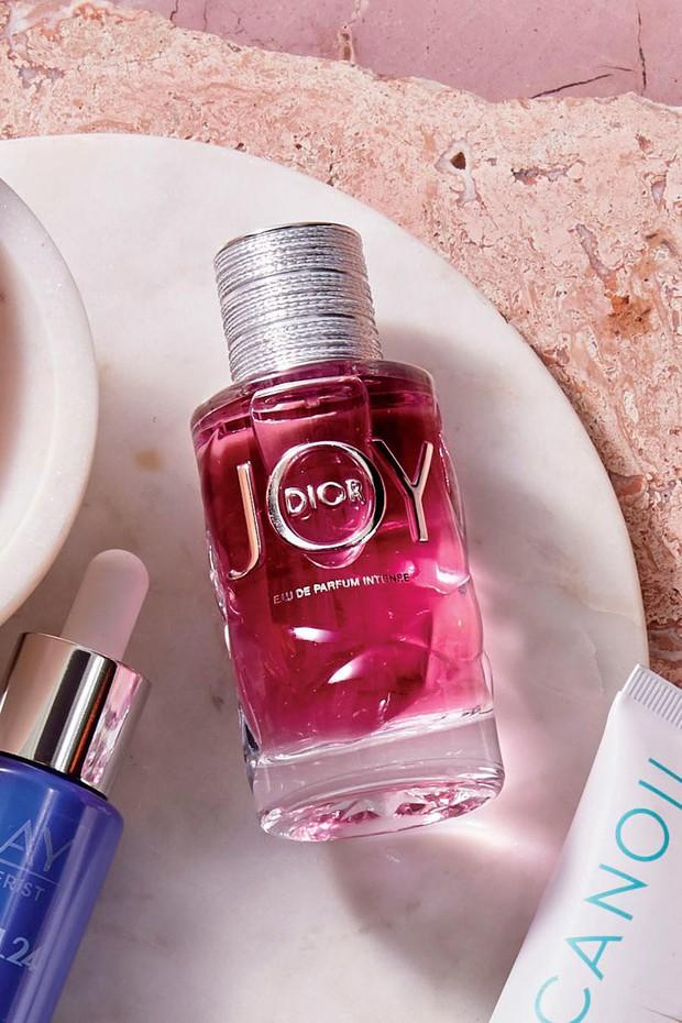 Nếu đang định sắm nước hoa cho mùa lạnh, bạn phải ngắm nghía 10 ứng viên xịn sò được giới thời trang mê mẩn này - Ảnh 4.