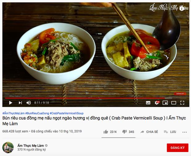 """Quỳnh Trần JP đăng vlog nấu bún riêu với… bạch tuộc có 1-0-2, nhưng dân tình lại chú ý hơn tới bình luận """"tung hứng"""" của Ẩm Thực Mẹ Làm - Ảnh 10."""