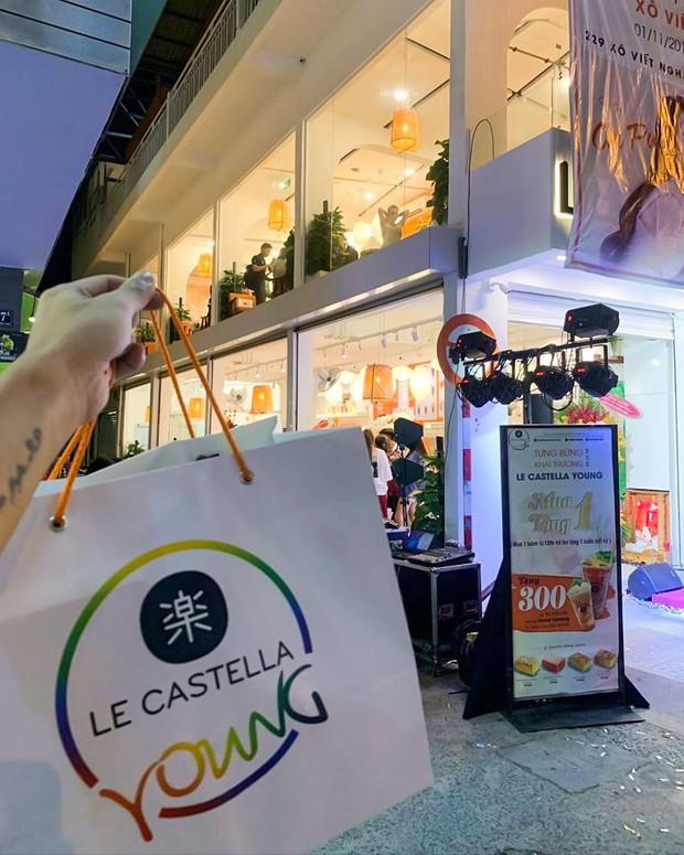 Giới trẻ Sài Gòn ùn ùn xếp hàng dài chờ check-in không gian trà bánh mới của Le Castella Young - Ảnh 10.