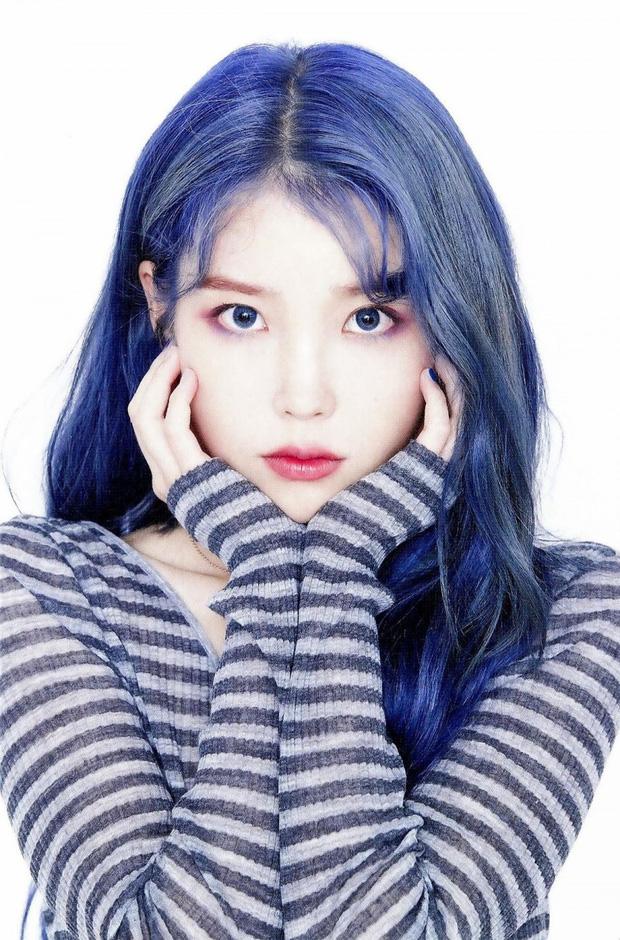 Hết tóc tím, chị nguyệt CEO IU lại khiến dân tình ngã quỵ với tóc xanh nâng tầm nhan sắc đỉnh cao - Ảnh 7.