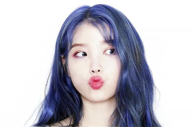 Hết tóc tím, chị nguyệt CEO IU lại khiến dân tình ngã quỵ với tóc xanh nâng tầm nhan sắc đỉnh cao - Ảnh 4.
