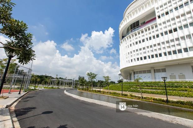 Khám phá Ngôi nhà hình lục giác trị giá hơn 400 tỷ đồng đang làm mưa làm gió sinh viên Sài Gòn - Ảnh 8.