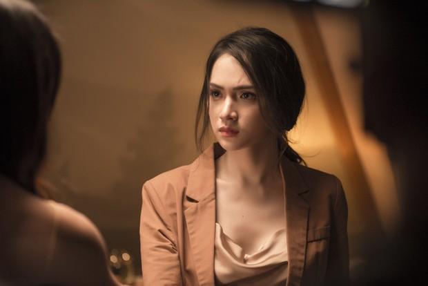 Từ Chi Pu, Miu Lê đến Hương Giang, dù xinh đẹp tận tâm ra sao cũng vẫn chịu số phận trong MV éo le chẳng khác gì dàn diễn viên nữ Hoa hồng trên ngực trái - Ảnh 2.