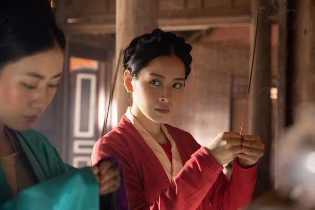Từ Chi Pu, Miu Lê đến Hương Giang, dù xinh đẹp tận tâm ra sao cũng vẫn chịu số phận trong MV éo le chẳng khác gì dàn diễn viên nữ Hoa hồng trên ngực trái - Ảnh 15.