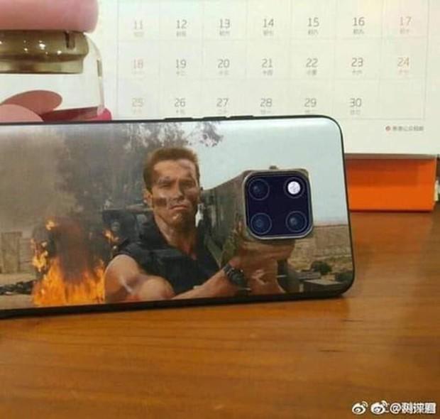 Huyền thoại Kẻ Hủy Diệt lấy biểu tượng bất hủ làm ốp iPhone 11 siêu độc, chắc kèo dạo phố khỏi lo đụng hàng - Ảnh 2.