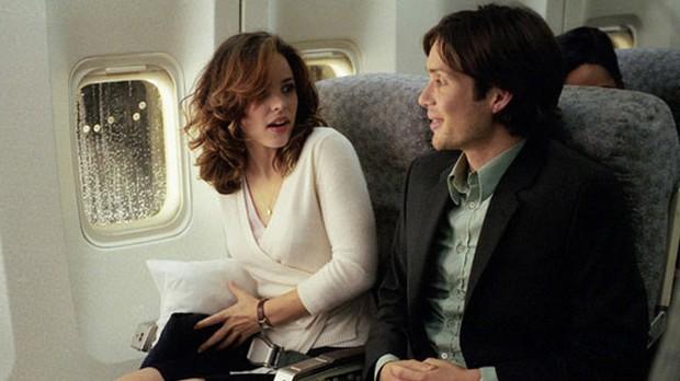 Đẹp lồng lộn mà mãi không có người yêu? Bình tĩnh đi, crush của bạn đang đợi trên chuyến bay tiếp theo đấy - Ảnh 2.