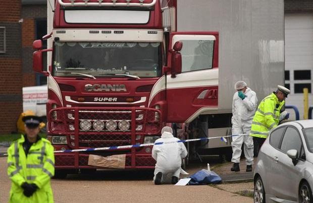 Có thể chiều nay hoặc sáng mai công bố danh tính các nạn nhân chết ở Anh - Ảnh 2.