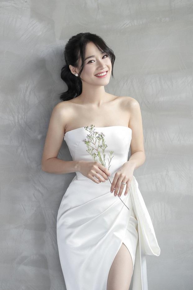 Showbiz rần rần đón tin hỷ, ngắm lại loạt ảnh cưới cực đỉnh của dàn sao Việt mà chỉ muốn lên xe hoa ngay và luôn - Ảnh 17.