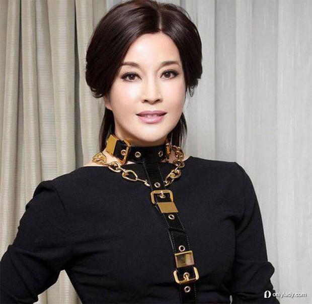Võ Tắc Thiên Lưu Hiểu Khánh: Tỷ phú nức tiếng, 4 đời chồng, yêu trai trẻ nhưng không con cái - Ảnh 5.