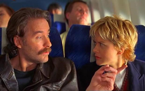 Đẹp lồng lộn mà mãi không có người yêu? Bình tĩnh đi, crush của bạn đang đợi trên chuyến bay tiếp theo đấy - Ảnh 3.