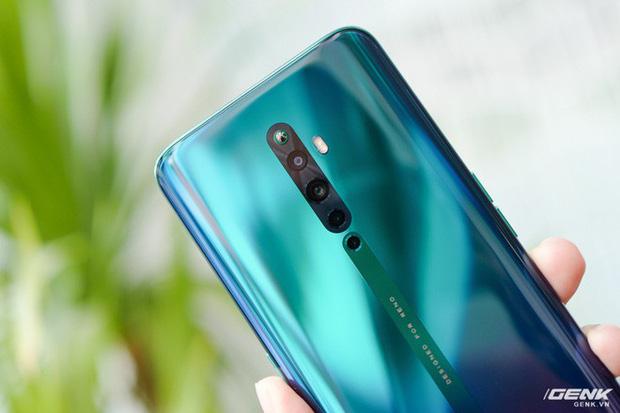 Ngắm nhìn Oppo Reno2 F màu Xanh Tinh Vân: Từ xanh hóa tím ảo diệu không rời mắt, giá không đổi - Ảnh 6.