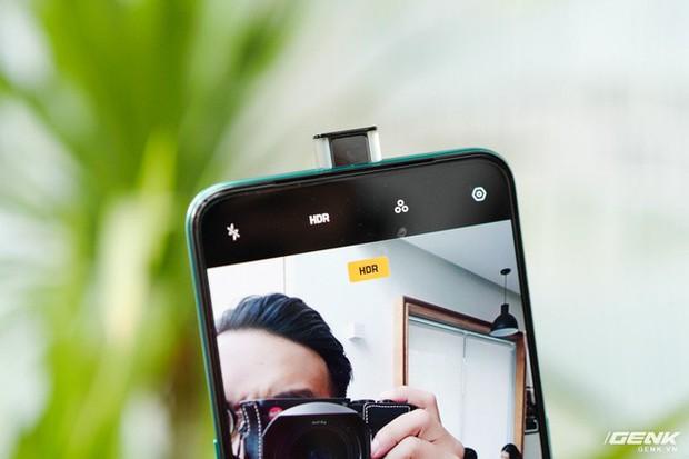 Ngắm nhìn Oppo Reno2 F màu Xanh Tinh Vân: Từ xanh hóa tím ảo diệu không rời mắt, giá không đổi - Ảnh 8.