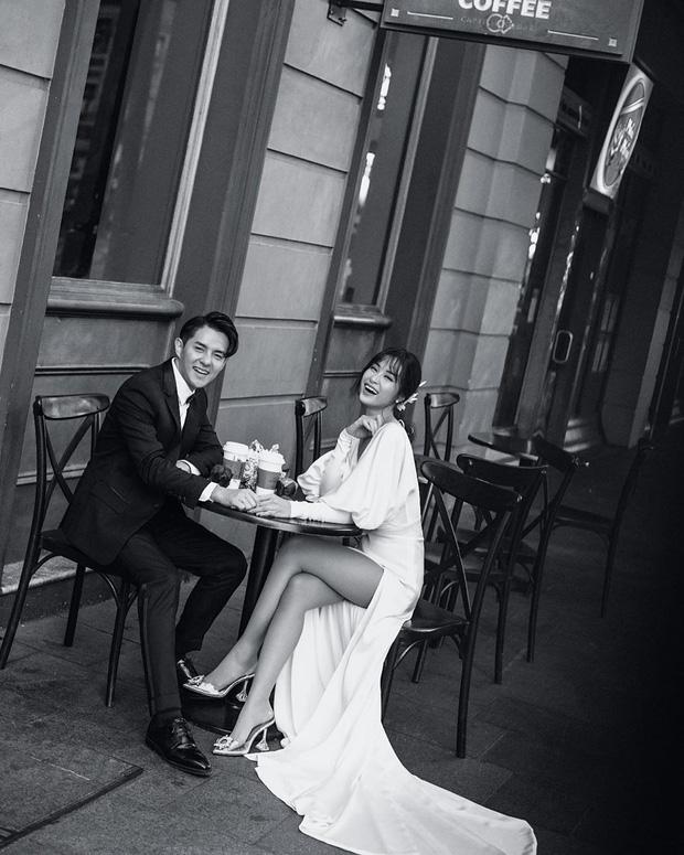Nhìn Đông Nhi diện váy cưới, để tóc đơn giản mà vẫn xinh ngất, hẳn nàng nào cũng muốn làm bộ ảnh cưới xịn y chang - Ảnh 2.