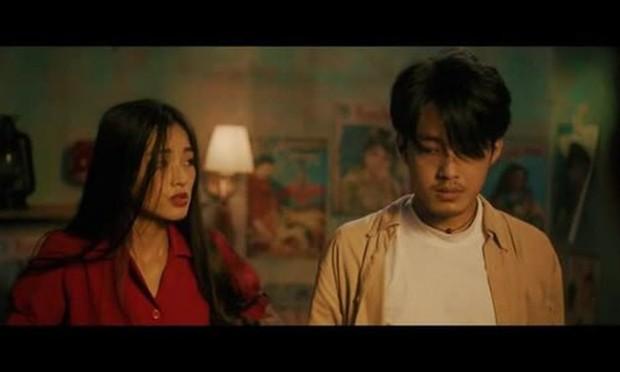 Từ Chi Pu, Miu Lê đến Hương Giang, dù xinh đẹp tận tâm ra sao cũng vẫn chịu số phận trong MV éo le chẳng khác gì dàn diễn viên nữ Hoa hồng trên ngực trái - Ảnh 9.