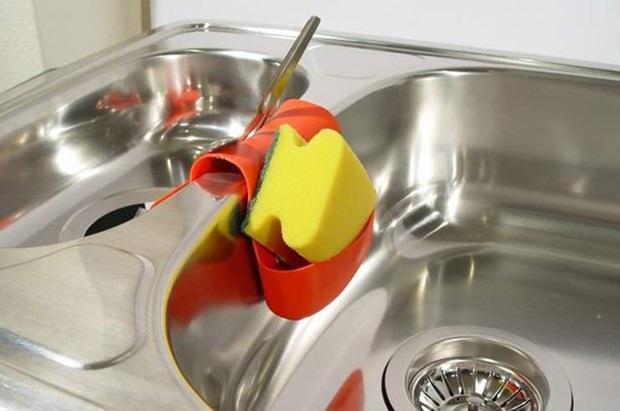 Nhiều người vẫn mắc loạt sai lầm trong khi rửa bát, gây ảnh hưởng không tốt tới sức khỏe - Ảnh 3.