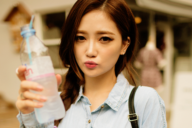 Hàng loạt nguyên nhân không ngờ khiến đôi môi của bạn khô nứt nẻ trong mùa thu hanh - Ảnh 5.