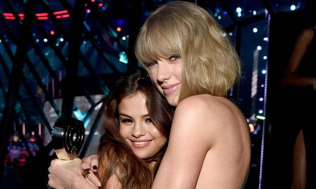 Dù là chị em thân thiết hơn 10 năm nhưng Selena Gomez và Taylor Swift chẳng bao giờ chịu hợp tác, nguyên nhân vì sao? - Ảnh 1.