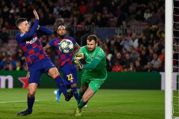 Messi phung phí cơ hội, Barcelona bị đội bóng nhược tiểu cầm hòa ngay trên sân nhà - Ảnh 4.