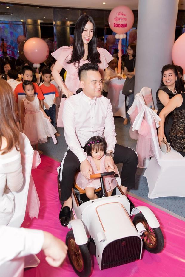 Diệp Lâm Anh hé lộ hình ảnh đầu tiên của quý tử thứ 2, lấy lại vóc dáng quá nhanh sau 5 ngày sinh con - Ảnh 4.