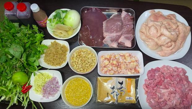 """Dân tình """"chóng cả mặt"""" vì clip làm lòng dồi giữa nước Nhật của Quỳnh Trần JP: Kỹ năng nấu nướng quá đỉnh, còn có… mắm tôm chuẩn vị Việt - Ảnh 2."""