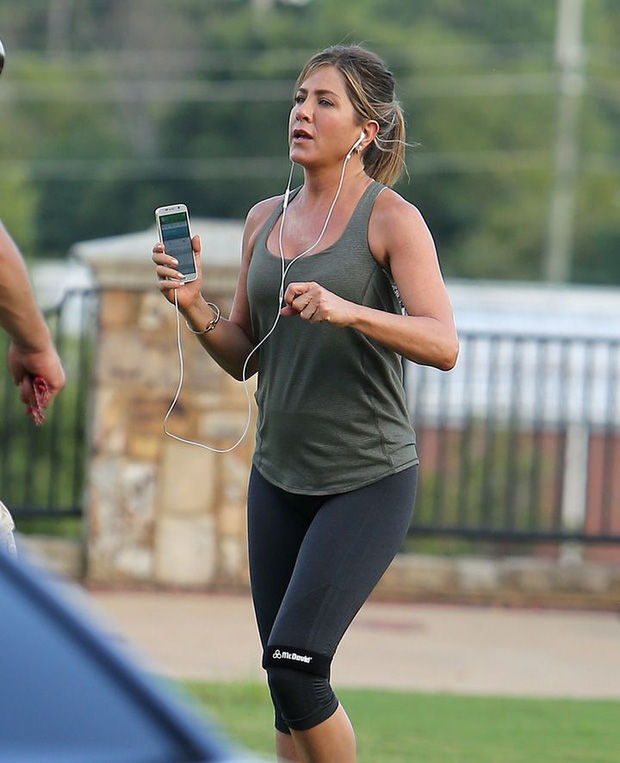 50 tuổi mà body đỉnh thế này, bảo sao Jennifer Aniston một thời khiến Brad Pitt say mê, Angelina kiêng dè - Ảnh 3.