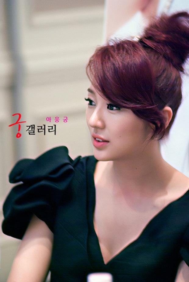 Hãi hùng trước độ richkid của các tiểu thư phim Hàn: Ngọc Trinh đập hộp cũng chào thua chị Nguyệt IU - Ảnh 1.