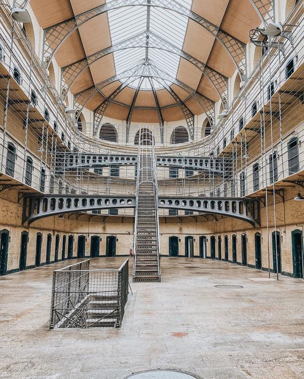 Một nhà giam ở Ấn Độ thỉnh cầu du khách đến ở để trải nghiệm cảm giác… ngồi tù, đã vậy còn lấy tới 25 đô! - Ảnh 7.