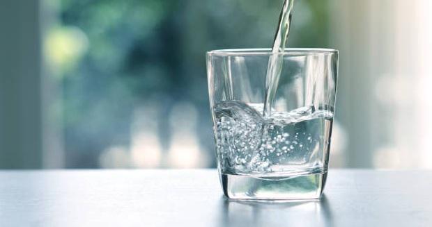 Uống nhiều nước có lợi cho sức khỏe, nhưng nếu chọn sai cốc thì lại có thể gây hại cho cơ thể ngay - Ảnh 6.