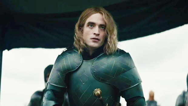 Cười sảng với giọng Pháp còn phèn của trai đẹp Robert Pattinson: Diễn hay chẳng ai để ý còn bị ví là chồn hôi - Ảnh 1.