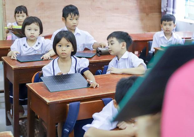 Phản ứng của phụ huynh trước thông tin học sinh sẽ học xác suất và thống kê ngay từ lớp 2: Người thảng thốt lo lắng, người ủng hộ nhiệt tình - Ảnh 1.
