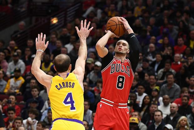 NBA 19-20: Bùng nổ trong hiệp cuối, Los Angeles Lakers ngược dòng đánh bại Chicago Bulls - Ảnh 2.
