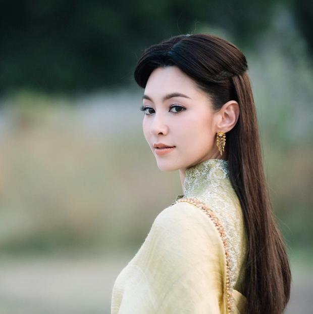 5 mĩ nhân cổ trang đẹp nhất xứ Thái: Bạn gái Sơn Tùng xinh đấy nhưng chưa thần thái bằng nàng thơ Yaya - Ảnh 5.