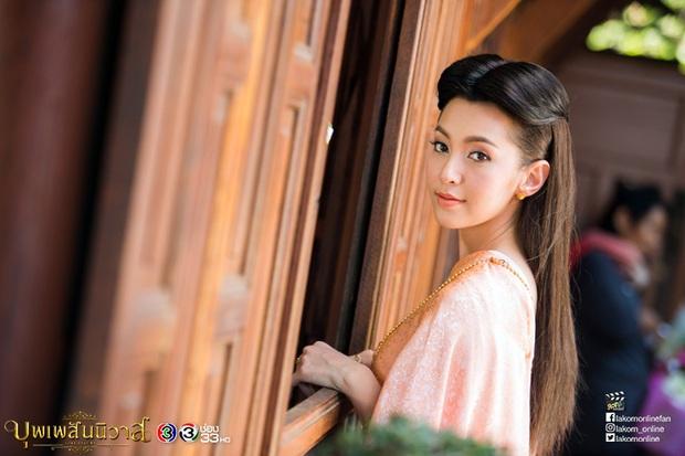 5 mĩ nhân cổ trang đẹp nhất xứ Thái: Bạn gái Sơn Tùng xinh đấy nhưng chưa thần thái bằng nàng thơ Yaya - Ảnh 7.