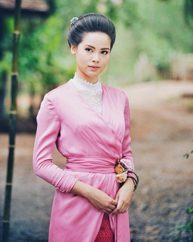 5 mĩ nhân cổ trang đẹp nhất xứ Thái: Bạn gái Sơn Tùng xinh đấy nhưng chưa thần thái bằng nàng thơ Yaya - Ảnh 10.