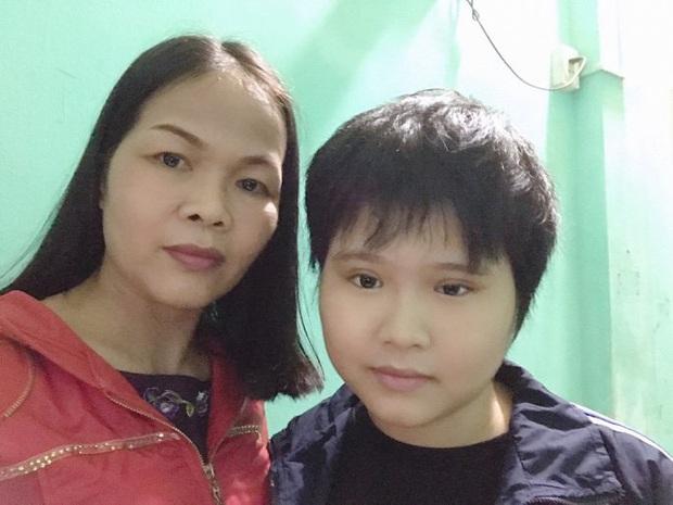 Nữ sinh dân tộc Tày 8 năm chiến đấu với ung thư não, khát khao trở thành cô giáo - Ảnh 2.