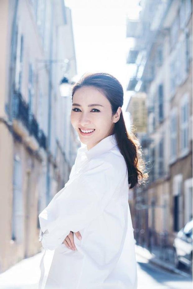 Triệu Mẫn Lê Tư sau 10 năm giải nghệ lấy đại gia tàn tật: Sống viên mãn, giàu có ở tuổi U50 - Ảnh 14.