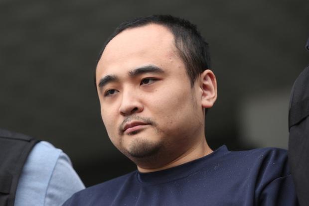 Vụ thi thể không đầu trên sông Hàn: Kẻ thủ ác nhận án tù chung thân nhưng hành động thách thức của hắn tại phiên tòa mới gây rùng mình cực độ - Ảnh 3.
