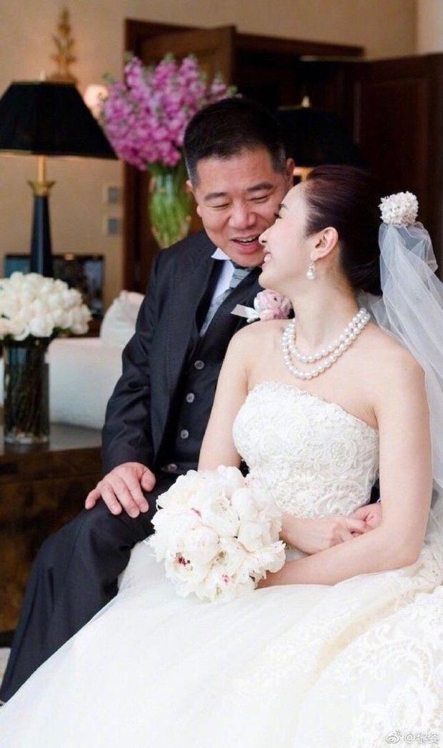 Triệu Mẫn Lê Tư sau 10 năm giải nghệ lấy đại gia tàn tật: Sống viên mãn, giàu có ở tuổi U50 - Ảnh 4.