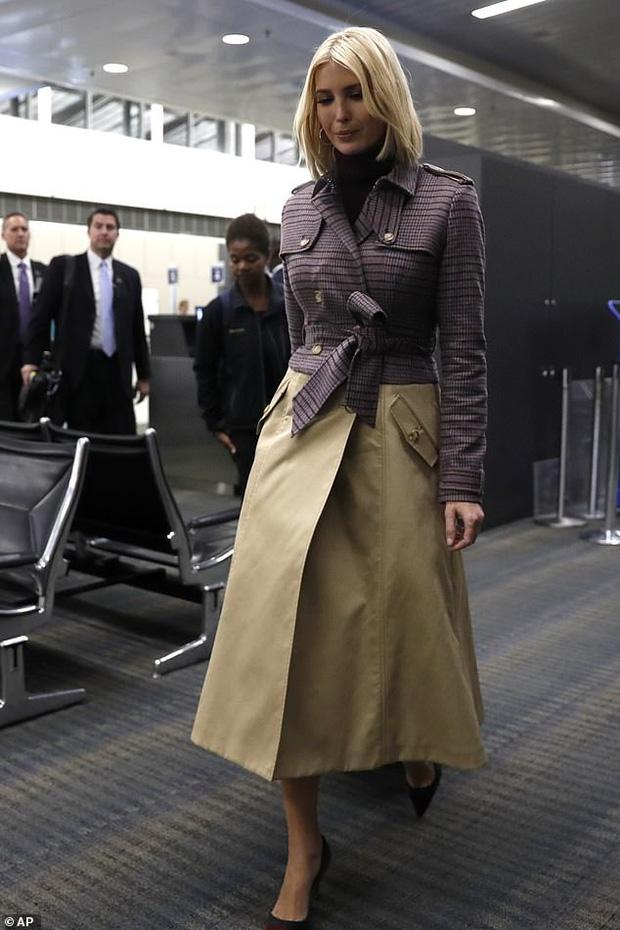 Ái nữ Tổng thống Trump diện set đồ sành điệu hơn 70 triệu đồng, xuất hiện ở sân bay mà tỏa sáng như trên sàn catwalk - Ảnh 1.