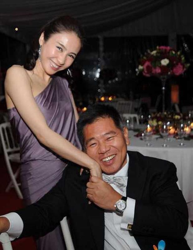 Triệu Mẫn Lê Tư sau 10 năm giải nghệ lấy đại gia tàn tật: Sống viên mãn, giàu có ở tuổi U50 - Ảnh 5.
