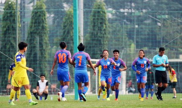 Đội tuyển nữ Việt Nam hòa đáng tiếc Ấn Độ trong màn chạy đà cho SEA Games 2019 - Ảnh 2.