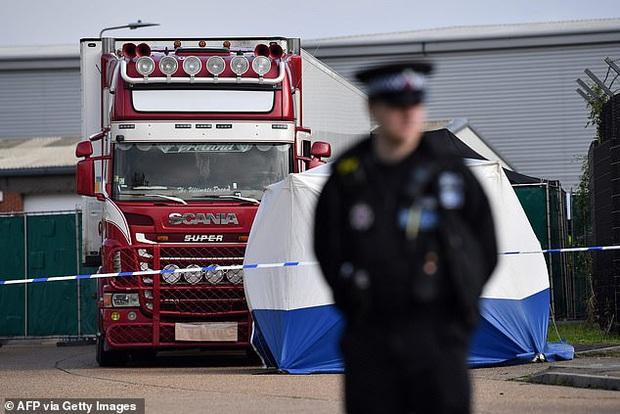 Cảnh sát Anh đã thông báo tin buồn cho gia đình 39 người Việt Nam gặp nạn trong xe container - Ảnh 1.