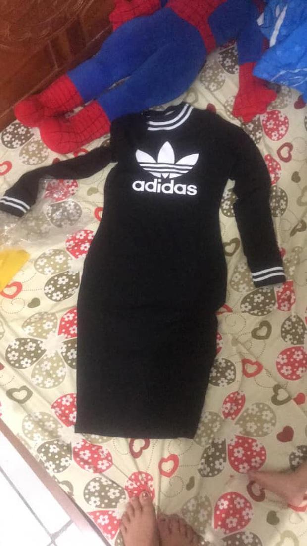 Mua bodysuit của hot girl với giá 400k, đến khi nhận về chiếc váy như giẻ lau nhà cô nàng mới phát hiện ra gặp giả mạo - Ảnh 1.