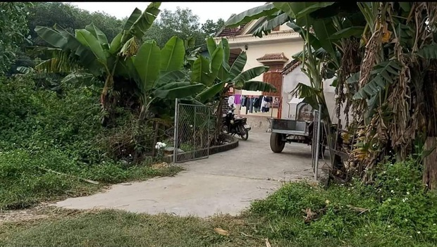Vụ bà nội sát hại cháu gái ở Nghệ An: Công an mời ông nội lên làm việc, phá tủ xem hồ sơ bảo hiểm - Ảnh 2.