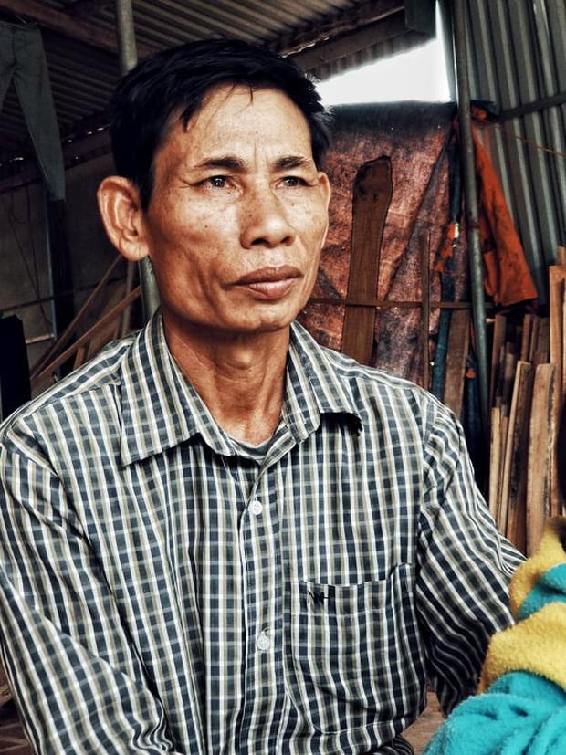 39 người Việt tử vong trong xe container: Bố khản giọng khi nhận thông tin chính thức, mong thi thể con sớm được đưa về quê nhà - Ảnh 2.